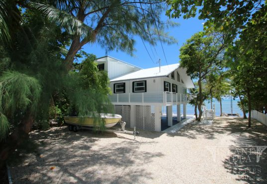 ocean front beach cottage in islamorada florida keys