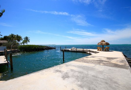 large private boat basin directly on florida bay in islamorada