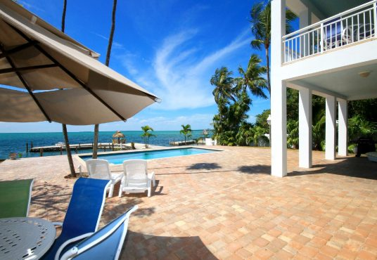 bayfront islamorada vacation rental with pool and boat basin