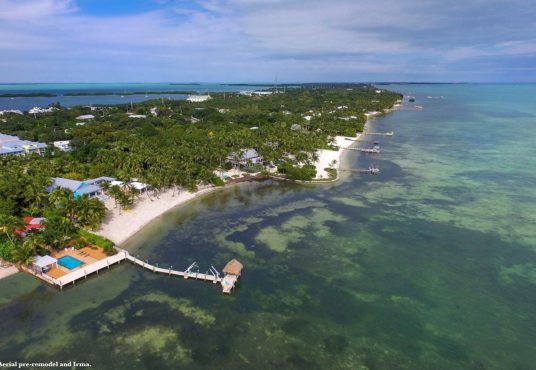 Oceanfront Islamorada Florida keys vacation home with pool and dock