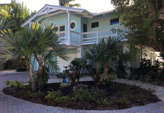 7 bedroom, 4 bathroom ocean front vacation rental home in the Florida Keys