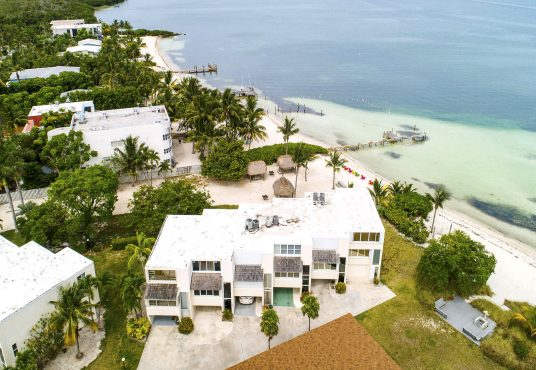 bayfront townhome vacation rental with private white sand beach